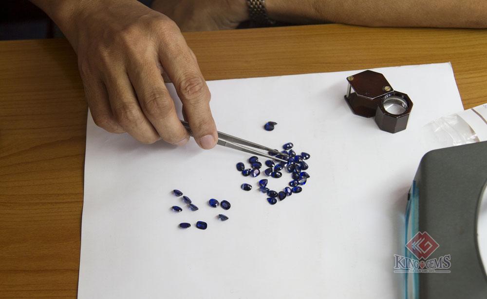 Sapphire được khai thác và phân loại