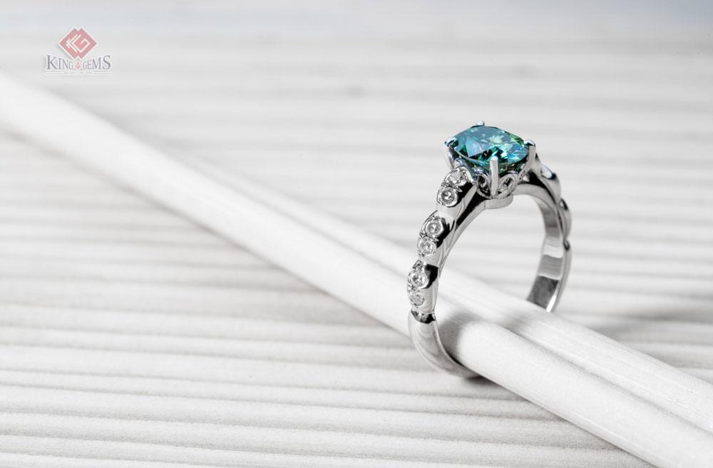 Nhẫn đá Aquamarine