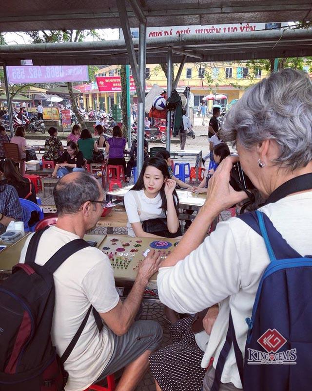 Chợ đá quý Lục Yên: Nét độc đáo của vùng đất Yên Bái 10