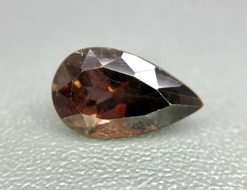 Đá Axinite là gì? Bạn biết gì về đá Axinite? 3