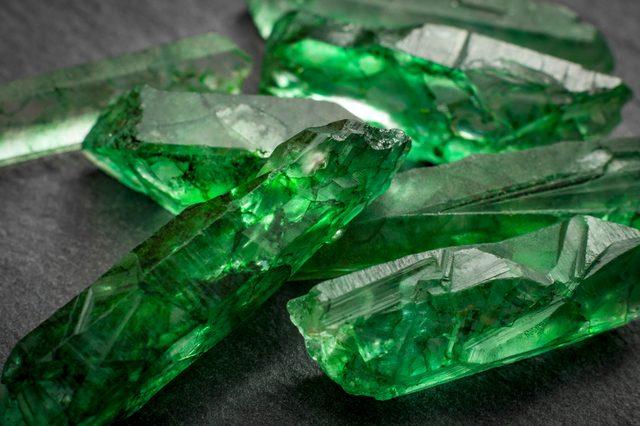 Đá Emerald là gì