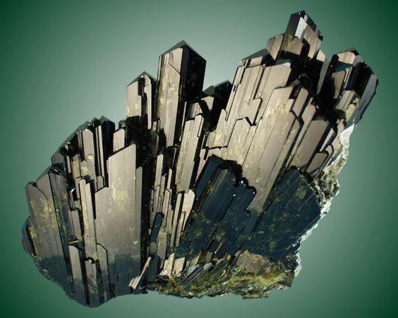 Đá Epidote là gì? Bạn biết gì về đá Epidote? 1