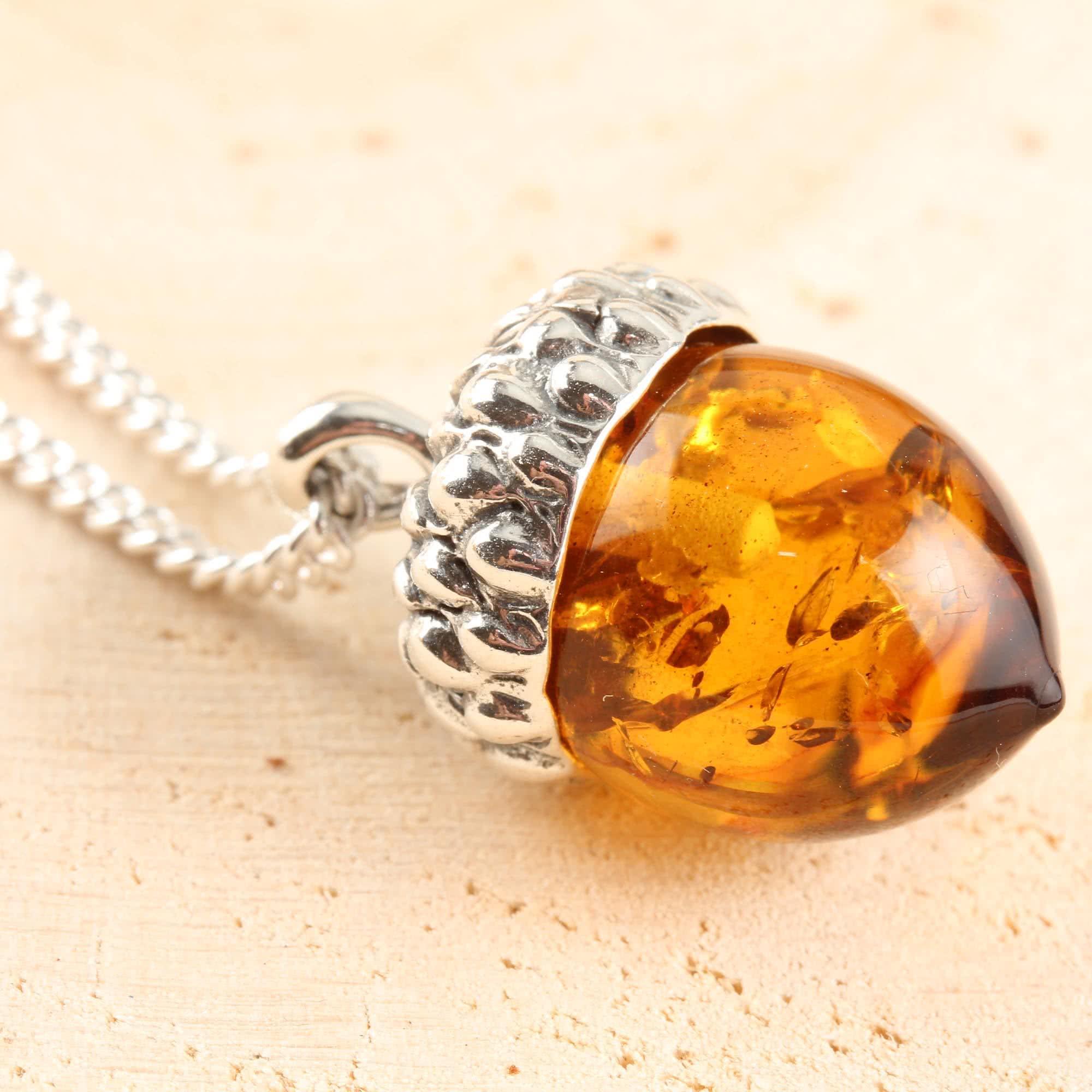 Đá Hổ Phách Amber là gì? Bạn biết gì về đá Hổ Phách Amber? 4