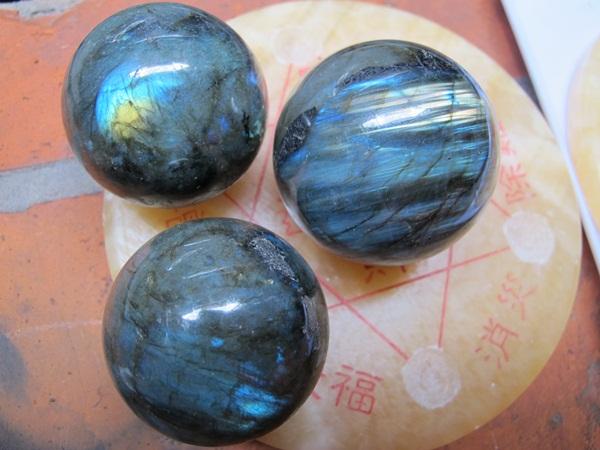 Đá Labradorite là gì? Bạn đã biết gì về  Labradorite? 4