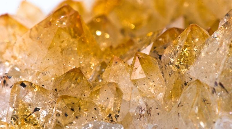 Người mệnh Thổ hợp đá gì? Cách chọn đá cho nam nữ mệnh Thổ 2